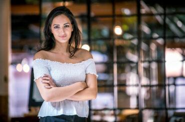 Utanförskap ledde till entreprenörskap – Negin skapar sin egen framtid