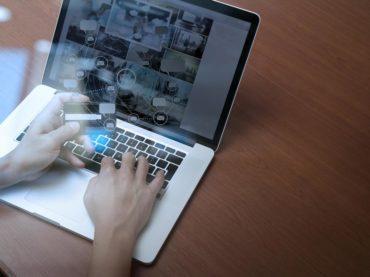 Äldre shoppar allt mer på nätet